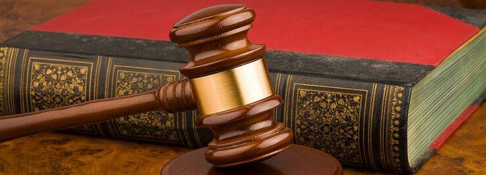 Holzhammer als Symbol für die Justiz